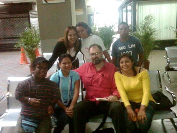 JUVENTUD DEL GPP AMAZONAS JUNTOS A EDUARDO SAMAN, PRESIDENTE DE INDEPABIS