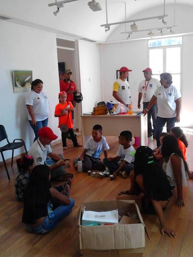 Bolívas, Chávez y los niñ@s